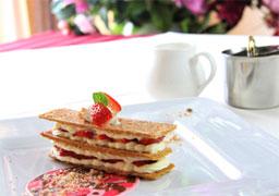 【和洋バイキング朝食】で優雅な一日の始まりを〜11:00チェックアウトの最大20時間ステイ〜