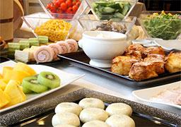 信州産食材の朝食付で、軽井沢を愉しむ